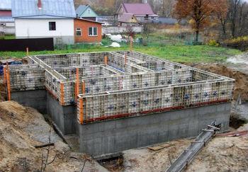 Заливка последней секции монолитных стен для цокольного этажа