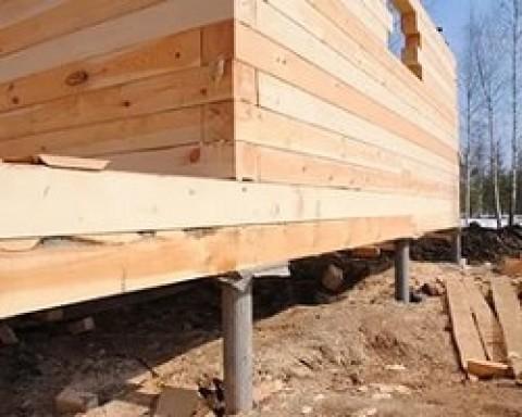 Какой фундамент лучше использовать под постройку из бруса?