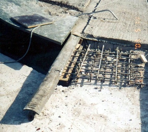 Деформационный шов плитного основания