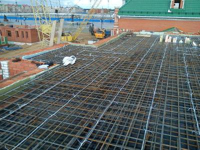 Подготовка к прогреву бетонной плиты электродами