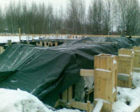 Стоит ли заливать фундамент зимой?